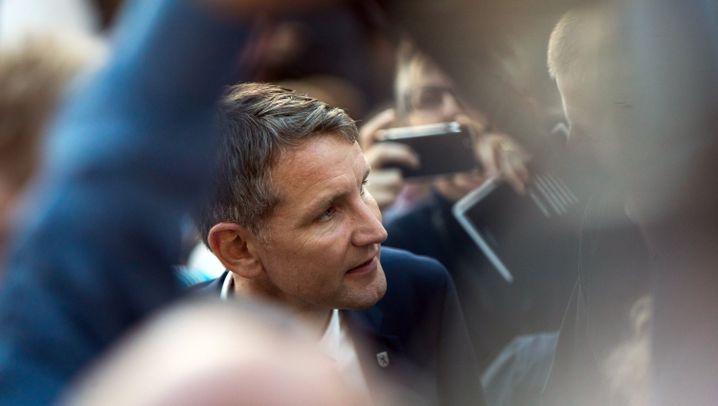 """Tumult bei Frankfurter Buchmesse: """"Ihr seid Nazis. Punkt."""""""