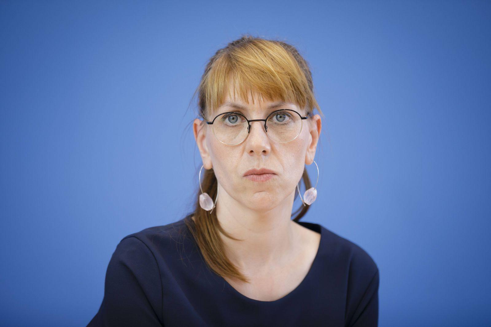 EINMALIGE VERWENDUNG Katja Meier