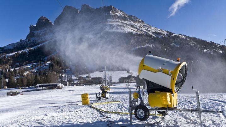 Skifahren im Carezza: Abfahrt auf Kunstschnee