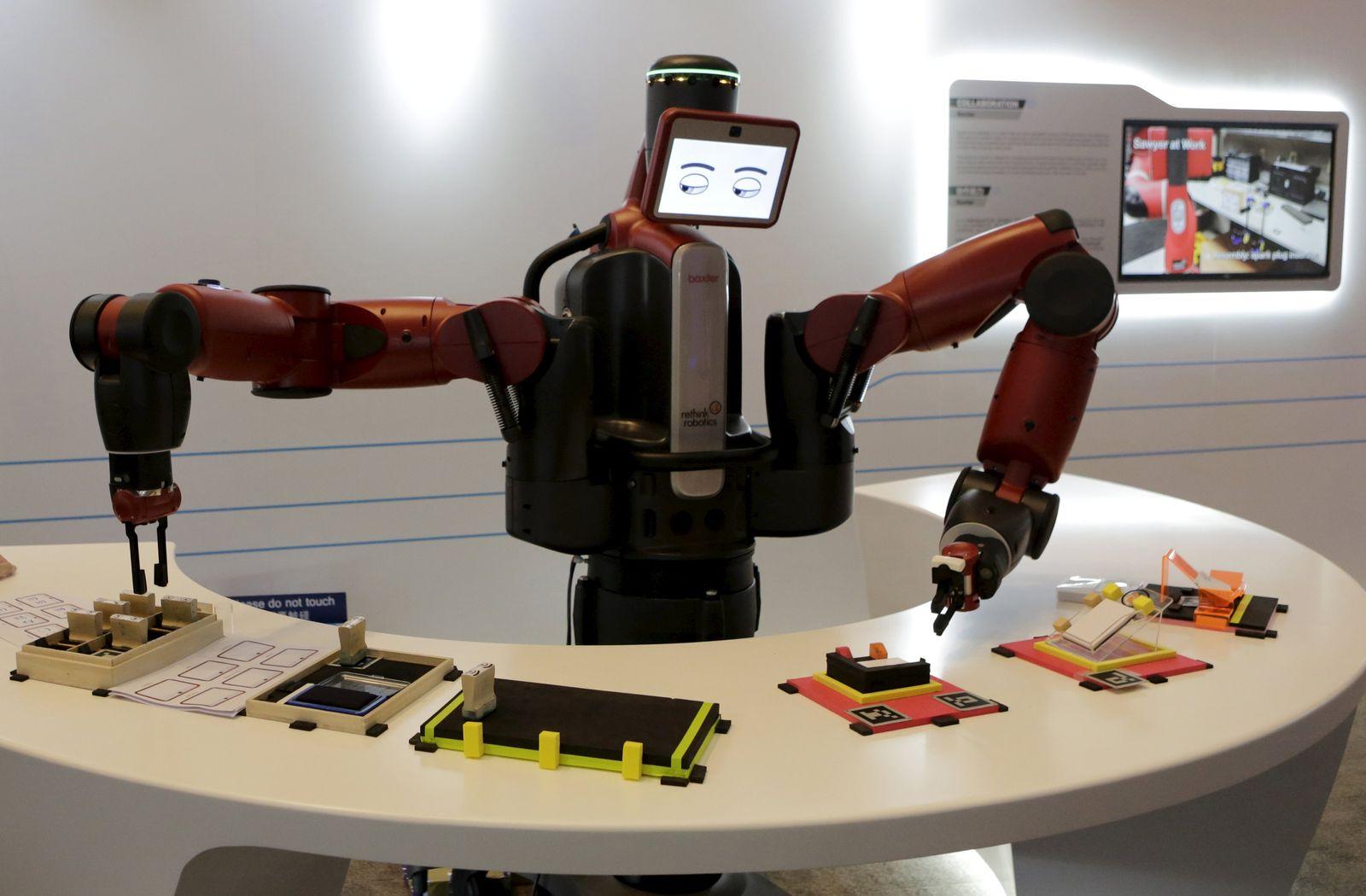 CHINA-ROBOTS/