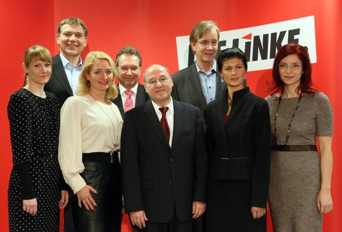 Acht Spitzenkandidaten für die Bundestagswahl 2013: Nicole Gohlke, Jan van Aken, Caren Lay, Klaus Ernst, Gregor Gysi, Dietmar Bartsch, Sahra Wagenknecht, Diana Golze