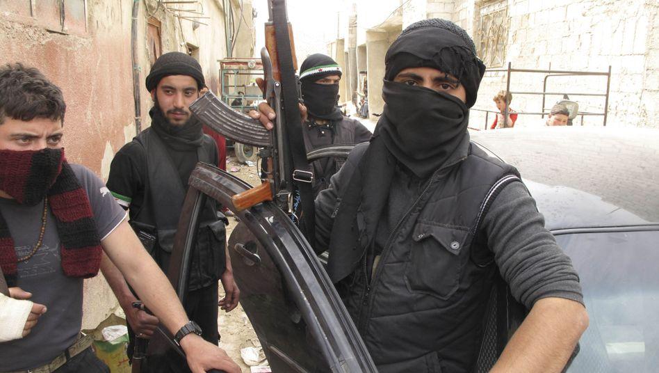 Kämpfer der Freien Syrischen Armee: Wem kommt der angekündigte Geldsegen zu Gute?