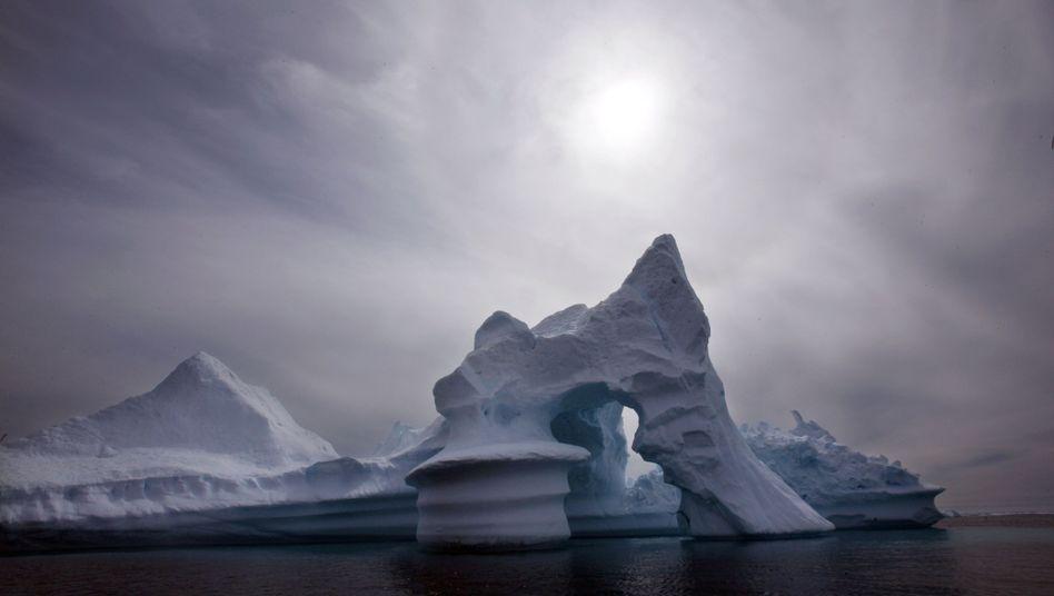 Schmelzender Eisberg in der Arktis: Rekordsommer folgt auf Rekordsommer