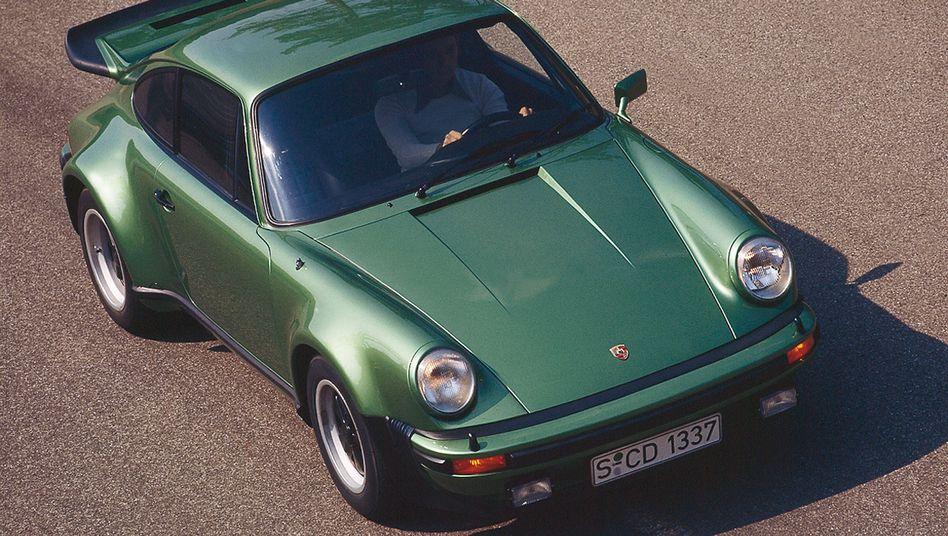 Porsche 911 Turbo: Der Supersportwagen des Hauses Porsche zog stets auch exponierte Kunden an. Zu den Turbo-Fahrern zählten und zählen unter anderem Herbert von Karajan, Pete Sampras, Jerry Seinfeld, Michael Ballack, Ray Parker jr. oder Jan Ullrich.