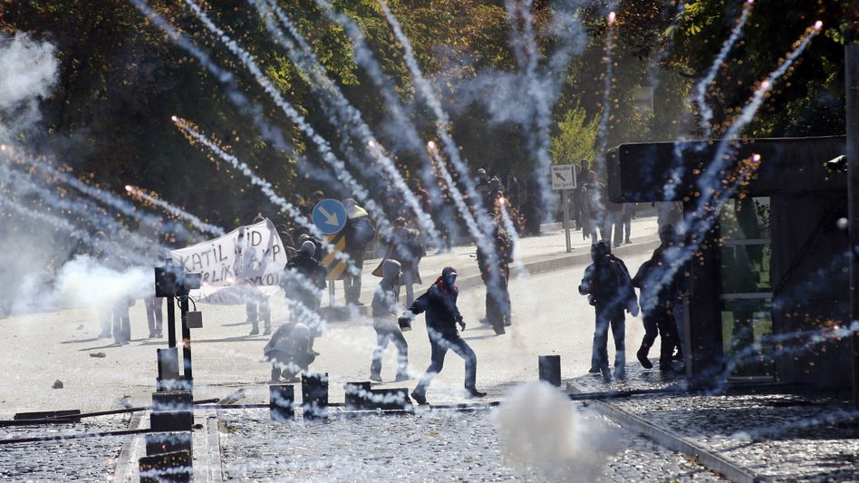 Proteste: Kurdische gewaltbereite Demonstranten in Ankara