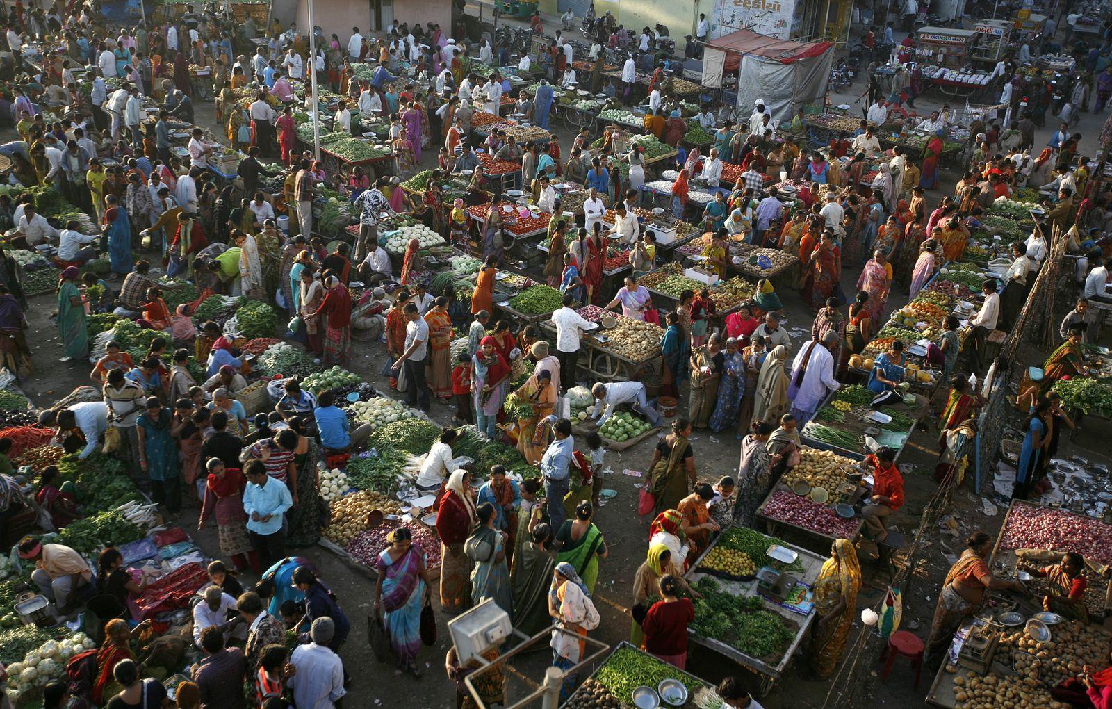 Indien Wirtschaft / Markt in Ahmedabad / Gemüse / Obst / Nahrungsmittel / Lebensmittel
