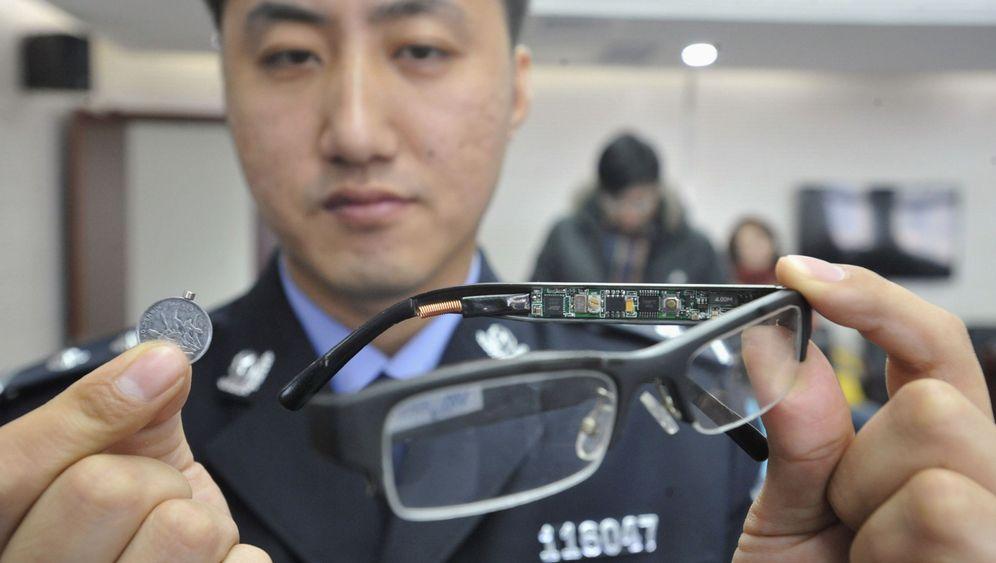 Prüfungen in China: Pfuschen auf Hightech