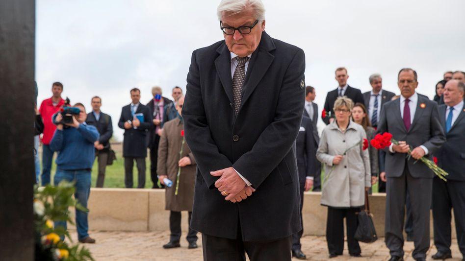 """Steinmeier auf Soldatenfriedhof: """"Vergangenheit nicht instrumentalisieren"""""""