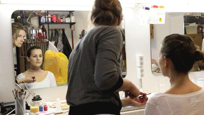 Grusel-Make-up zu Halloween: Erdrosselt in eineinhalb Stunden