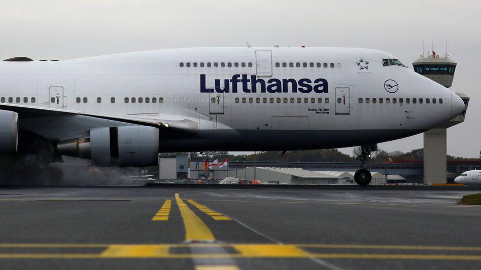 Lufthansa Boeing in Berlin-Tegel