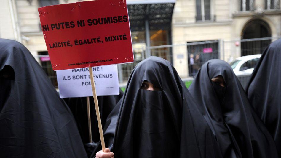 Demonstration gegen Burka-Verbot in Frankreich (Archivbild)