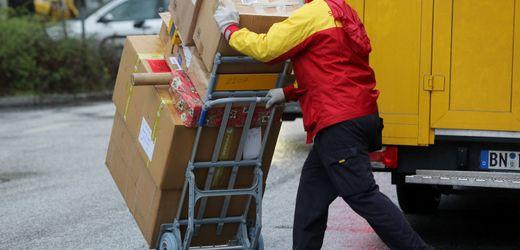 Paketrekord vor Weihnachten: Post-Kunden sollen Geschenke früh verschicken