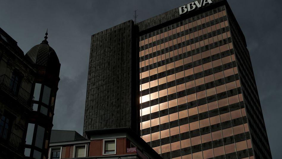 """Spanische Bank BBVA in Bilbao: """"Wir haben als Staat ein Problem"""""""