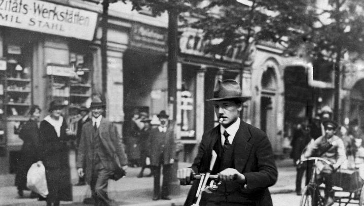 "Historische Scooter: ""In Zukunft muss niemand mehr laufen"""