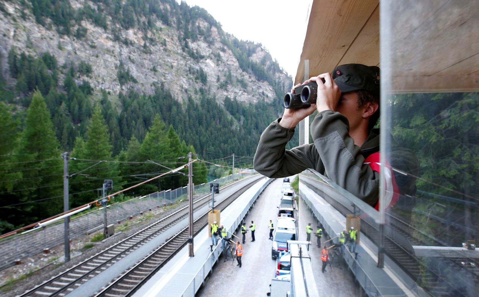 EINMALIGE VERWENDUNG Europa/ Grenze/ Schutz/ Bewachen/ Fluechtlinge/ Österreich