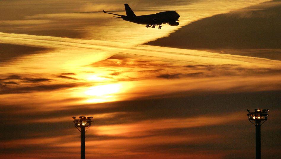 """Flugzeug über Frankfurt (2006): """"Überzeugt davon, dass dieser Bericht bewusst zurückgehalten wurde"""""""""""