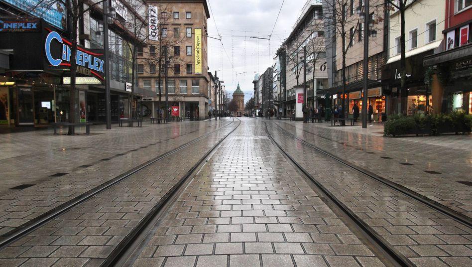 Einkaufsstraße in Mannheim im Dezember: Der Shutdown bremst die Wirtschaftsentwicklung