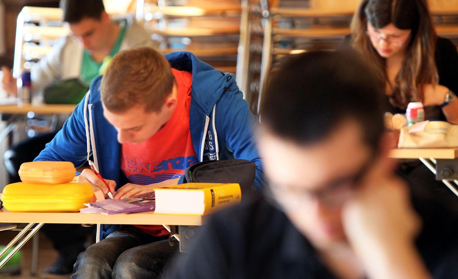 NICHT VERWENDEN Abitur / Abiturpruefung