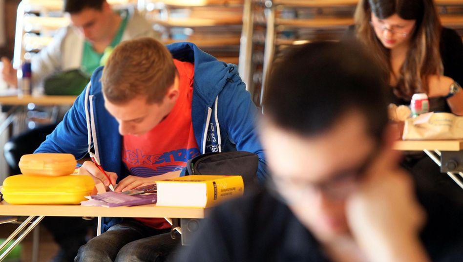 Gymnasiasten in Sachsen: Die Länder wollen das Abi vergleichbarer machen