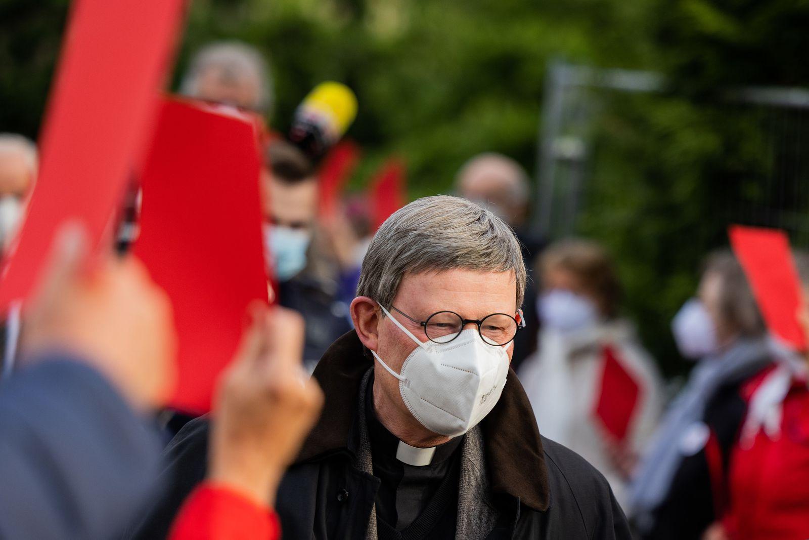 Demonstration gegen Kardinal Woelki