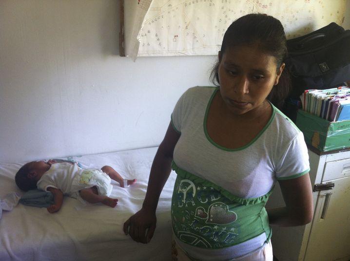 """Irma Lopez mit ihrem Sohn: """"Er hat sich selbst gerettet"""""""