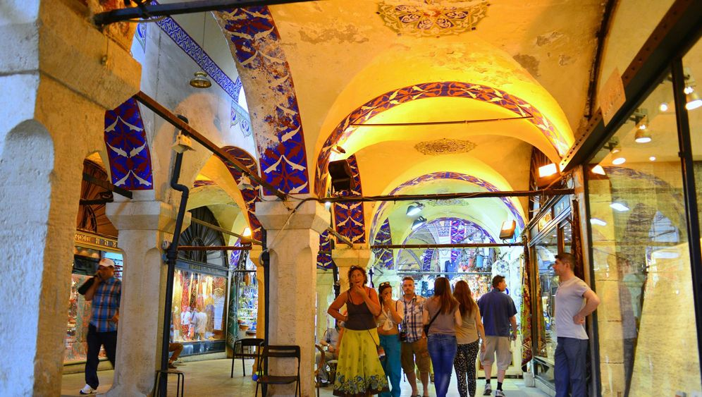 Photo Gallery: Inside Istanbul's Grand Bazaar