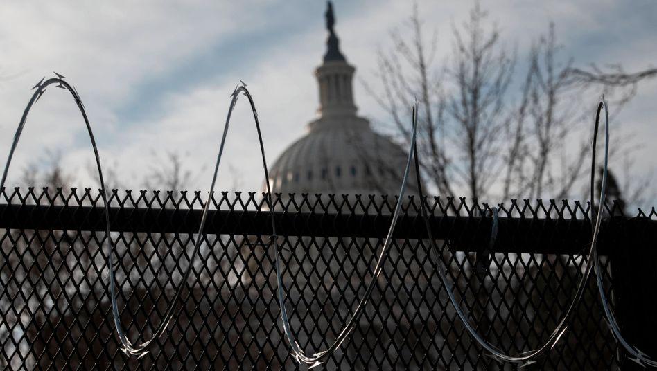 Washington bereitet Bidens Amtsantritt vor: Das US-Kapitol hinter Schutzzäunen