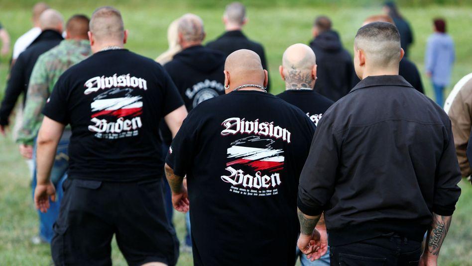 """Neonazis beim Festival """"Rock gegen Überfremdung"""""""