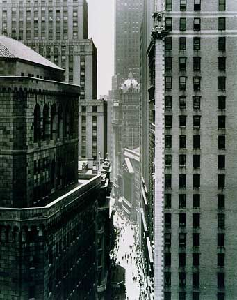 "Andreas Feininger: ""Between Clifflike Walls On Nassau Street"", zirka 1940"