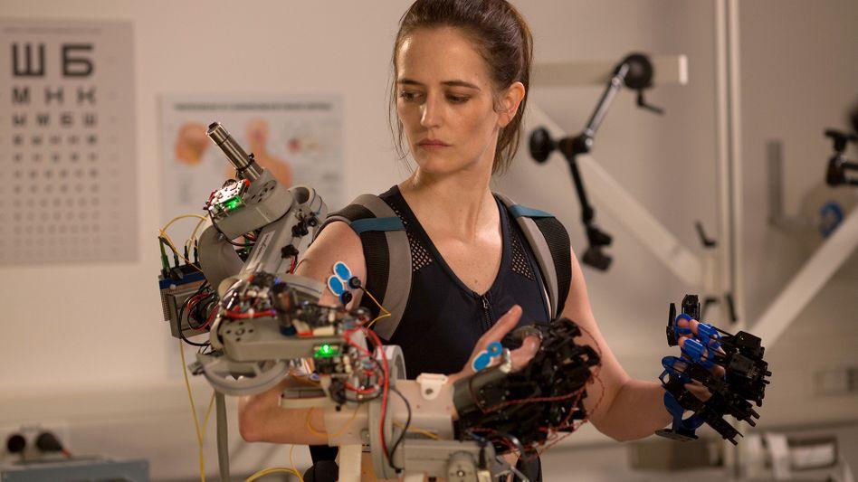 »Proxima«-Darstellerin Green: »Frauen müssen im Astronautenberuf härter trainieren, damit sie akzeptiert werden«