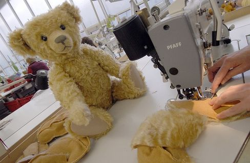 Despite massive training efforts, German premium stuffed animal-maker Steiff was unable to yield the quality it demanded from its Chinese plant.