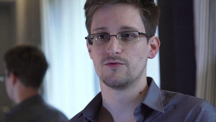 """Untergetauchter Edward Snowden: """"Weder Verräter noch Held"""""""