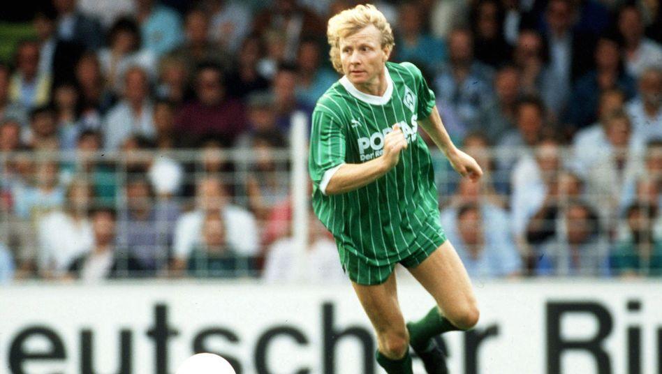 Manfred Burgsmüller schoss in seiner Karriere 324 Profitore, unter anderem für Werder Bremen, Borussia Dortmund und Rot-Weiss Essen