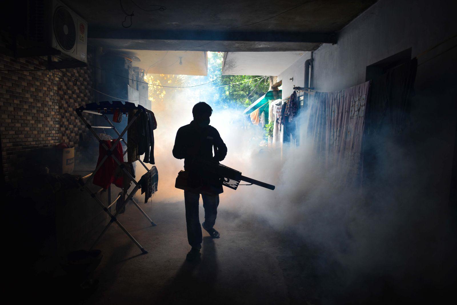 MCD Fumigation Drive In Delhi Against The Spread Of Dengue, Malaria And Chikungunya Diseases