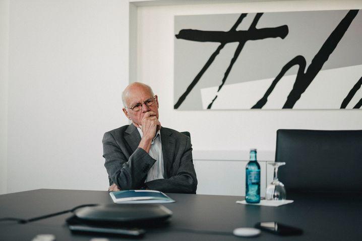 Lammert in den Räumlichkeiten der Konrad-Adenauer-Stiftung