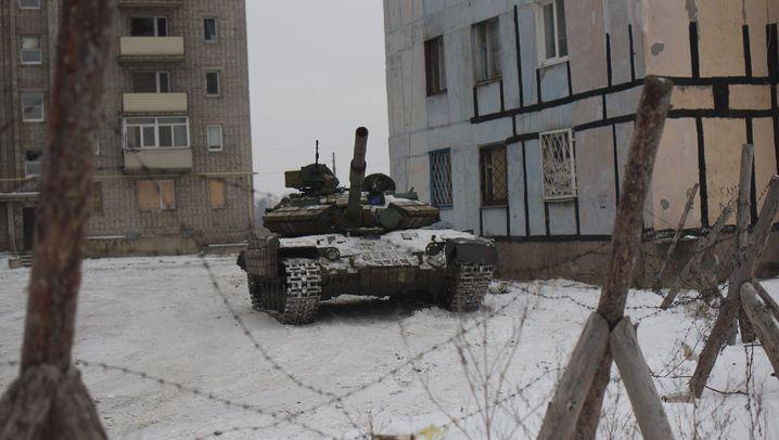 Ukraine: Awdijiwka und Donezk unter Beschuss