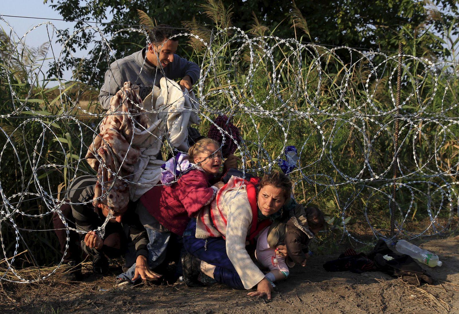 Flüchtlinge/ Ungarn/ Zaun