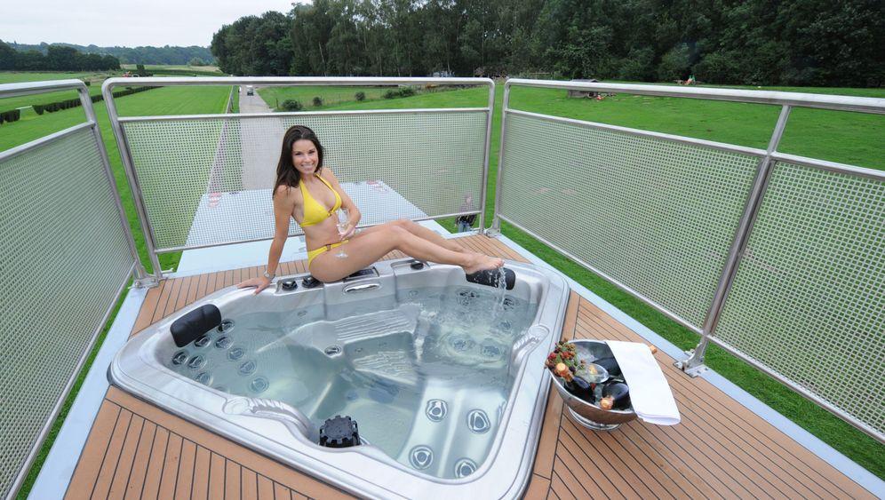 Caravan-Salon: Whirlpool auf dem Dach