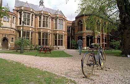 Uni Oxford: Tradition verpflichtet