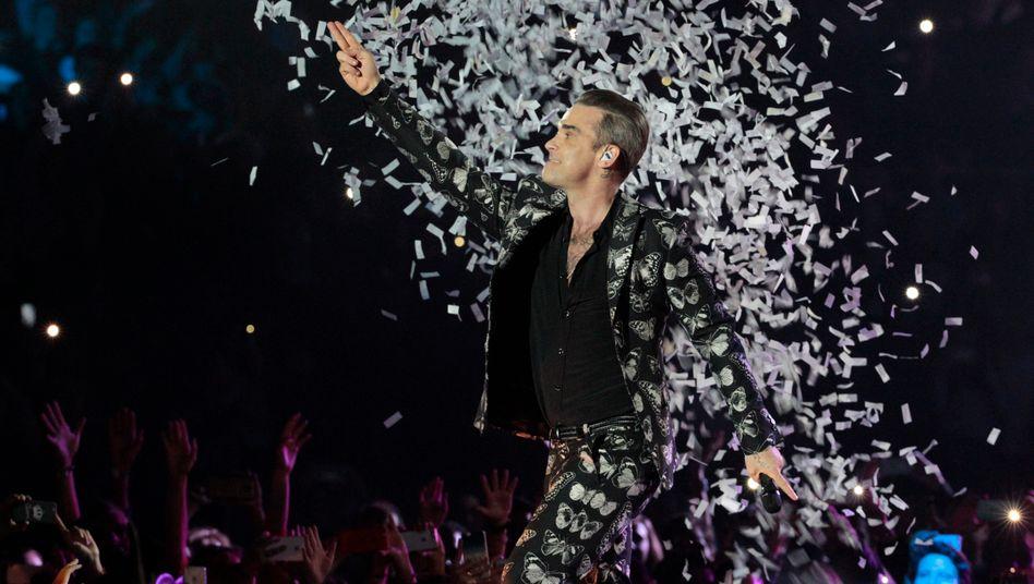 Robbie Williams bei einem Konzert in Barcelona (2016)