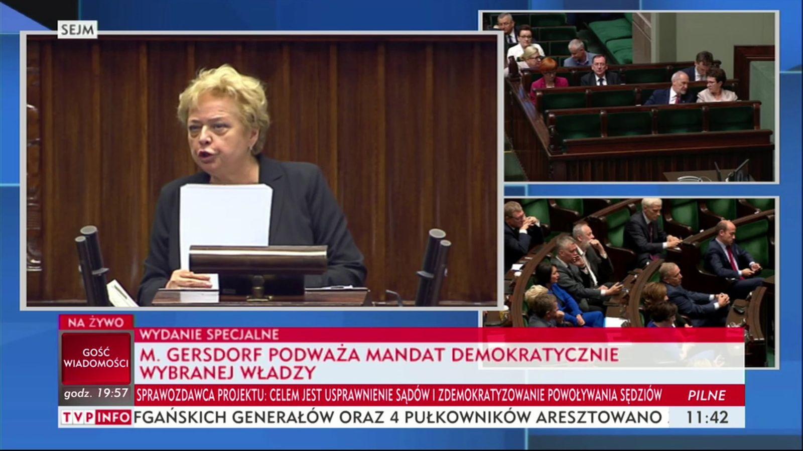 EINMALIGE VERWENDUNG Propaganda in Polen/ Justizreform