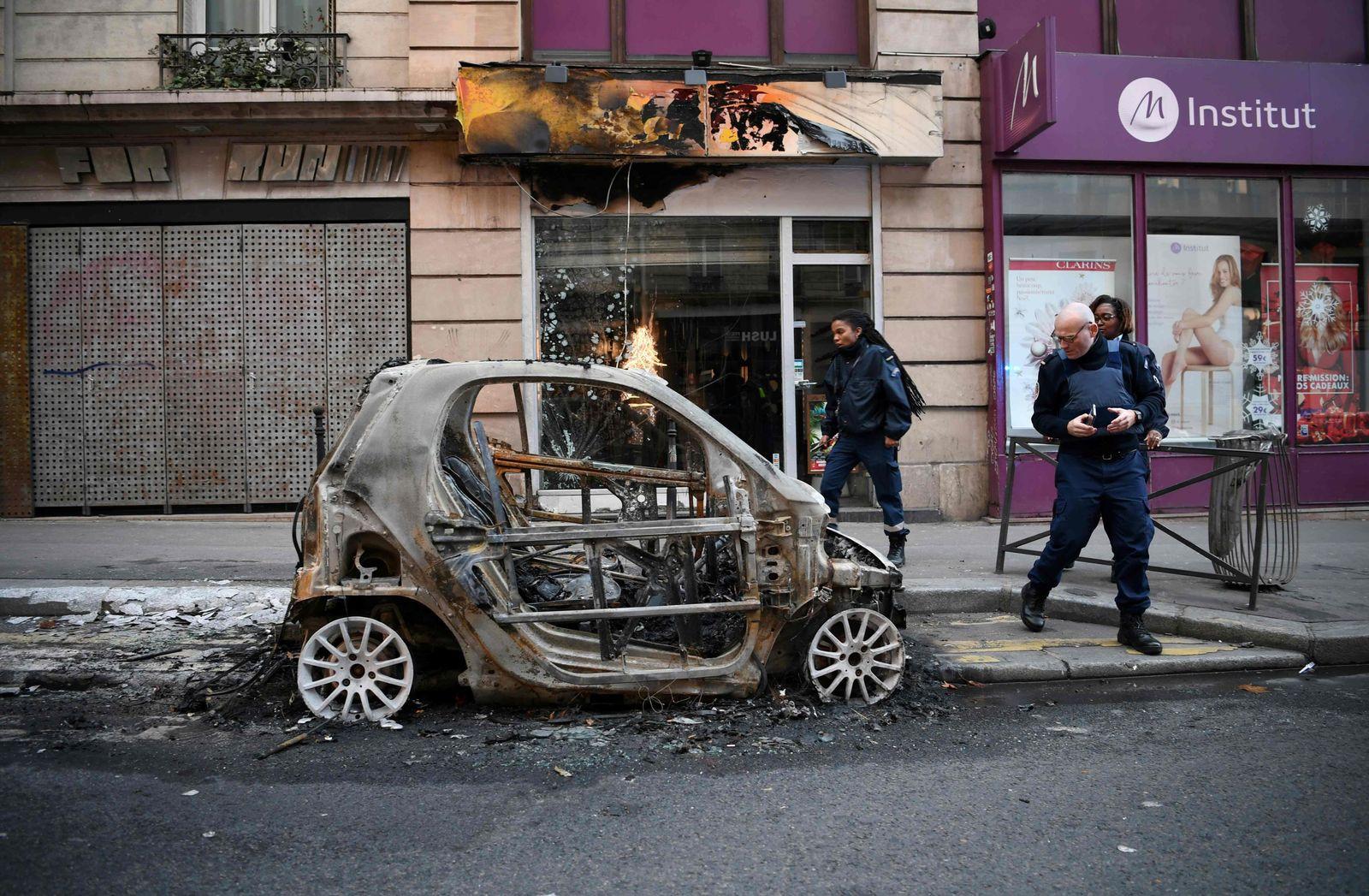 Frankreich/ Paris/ Proteste/ Gelbwesten