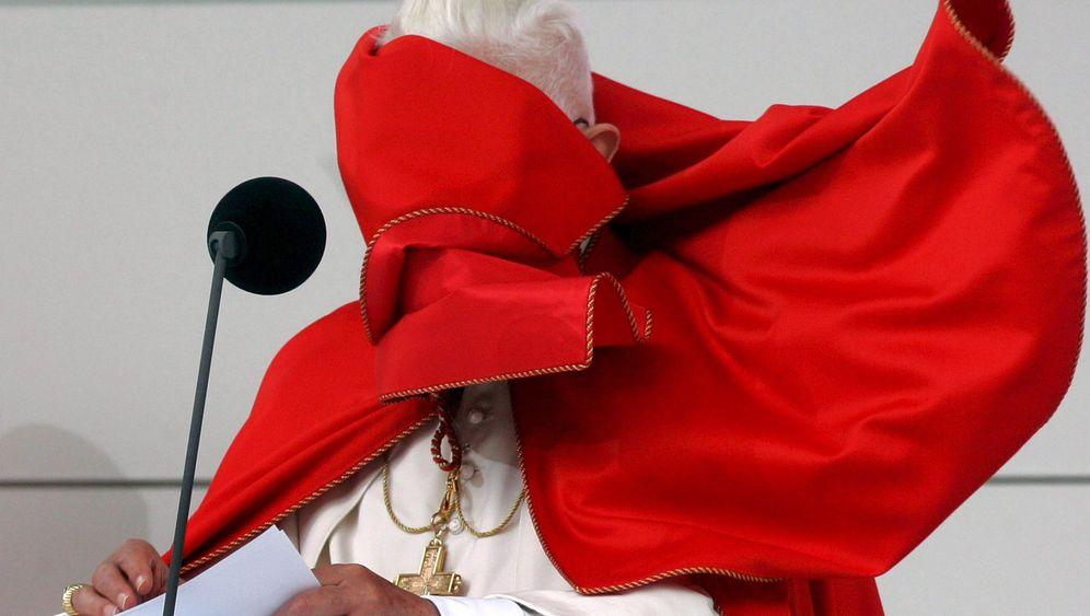 Päpste auf Reisen: Pleiten, Pech und Pontifex
