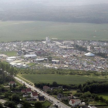 Luftaufnahme des Protestcamps in Reddelich: Bundeswehr-Tornados spähten das Gelände aus