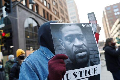 Demonstration während der Jury-Beratungen in Minneapolis