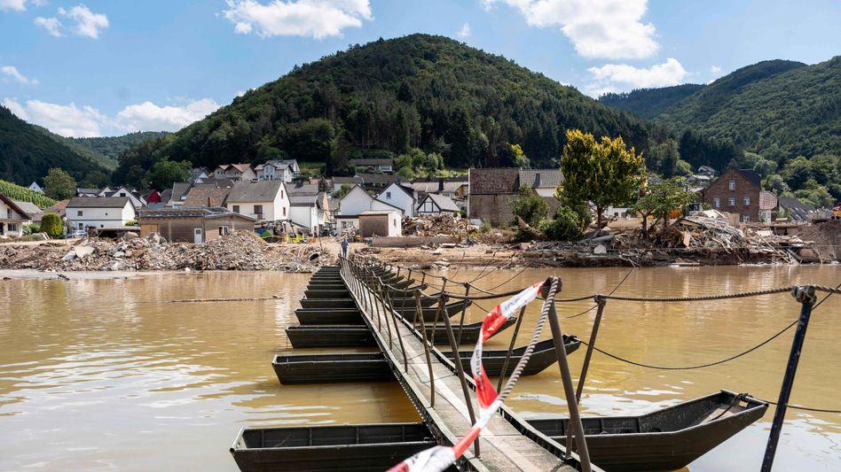 Behelfsbrücke über die Ahr bei Rech: »Keine Zeit mehr, das Haus zu verlassen«