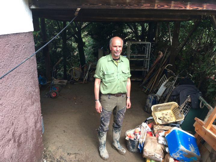 Förster Jens Willen an seinem Haus in Schuld: »Ich sehe jeden Tag kranke Bäume«