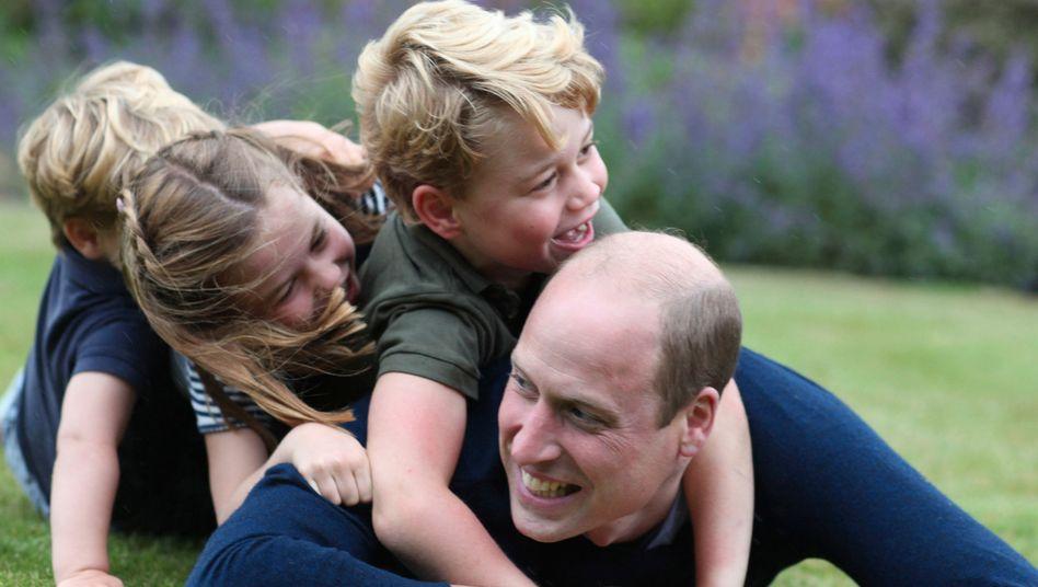Ganz ohne Abstand: Prinz Louis, Prinzessin Charlotte und Prinz George auf Prinz William