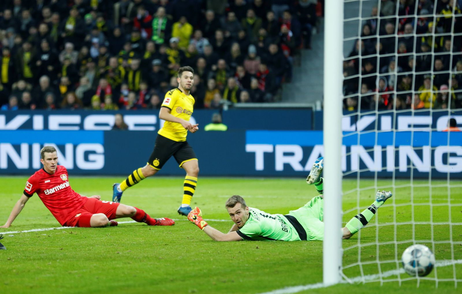 Bundesliga - Bayer Leverkusen v Borussia Dortmund