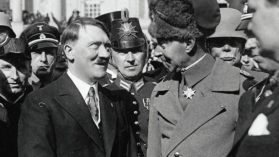 Reichskanzler Hitler, Ex-Kronprinz Wilhelm in Potsdam 1933: »Fast manisch wirkendes Engagement«